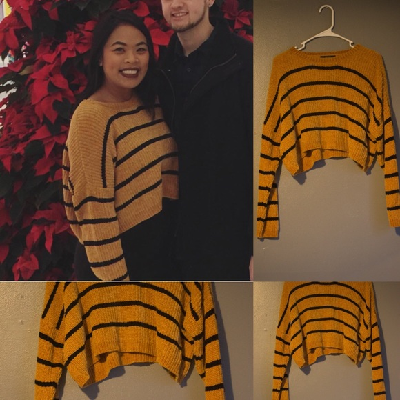 389ed6d17485d8 Forever 21 Sweaters - Striped cropped sweater